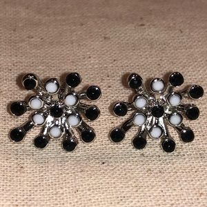 NWOT Black, White & Silvertone Starburst Earrings